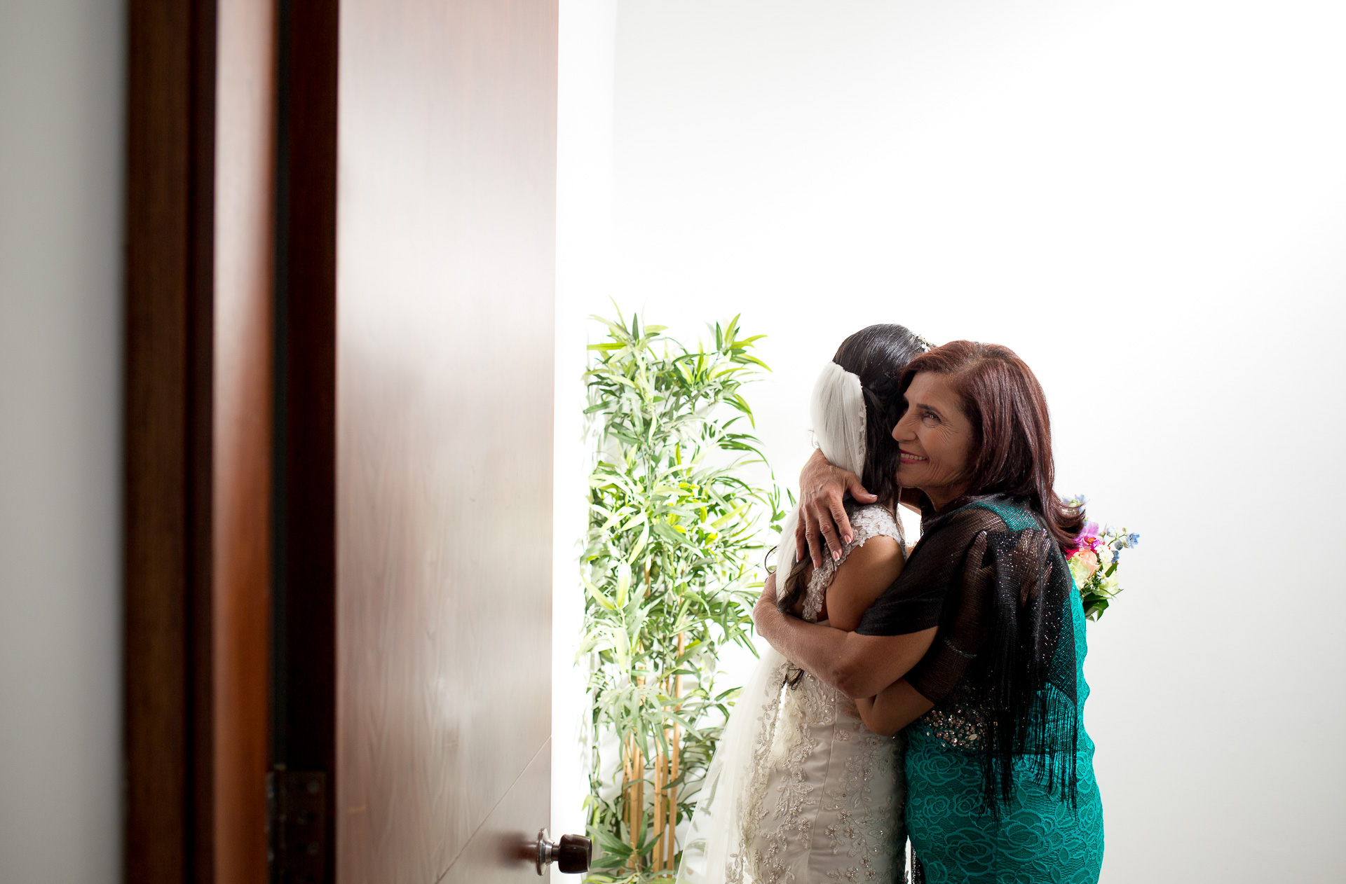 Fotógrafos-de-bodas-en-Colombia-Alejandro-y-Angelica-12 ALEJANDRO + ANGELICA