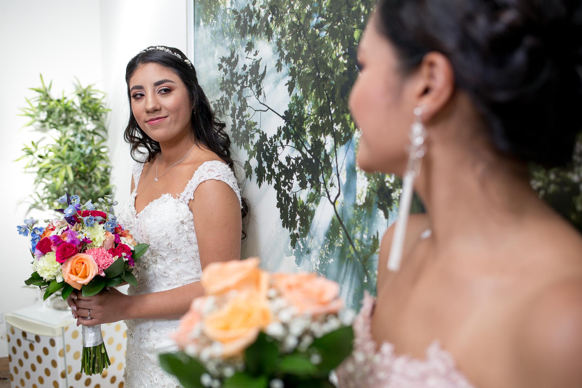 Fotógrafos-de-bodas-en-Colombia-Alejandro-y-Angelica-15 ALEJANDRO + ANGELICA