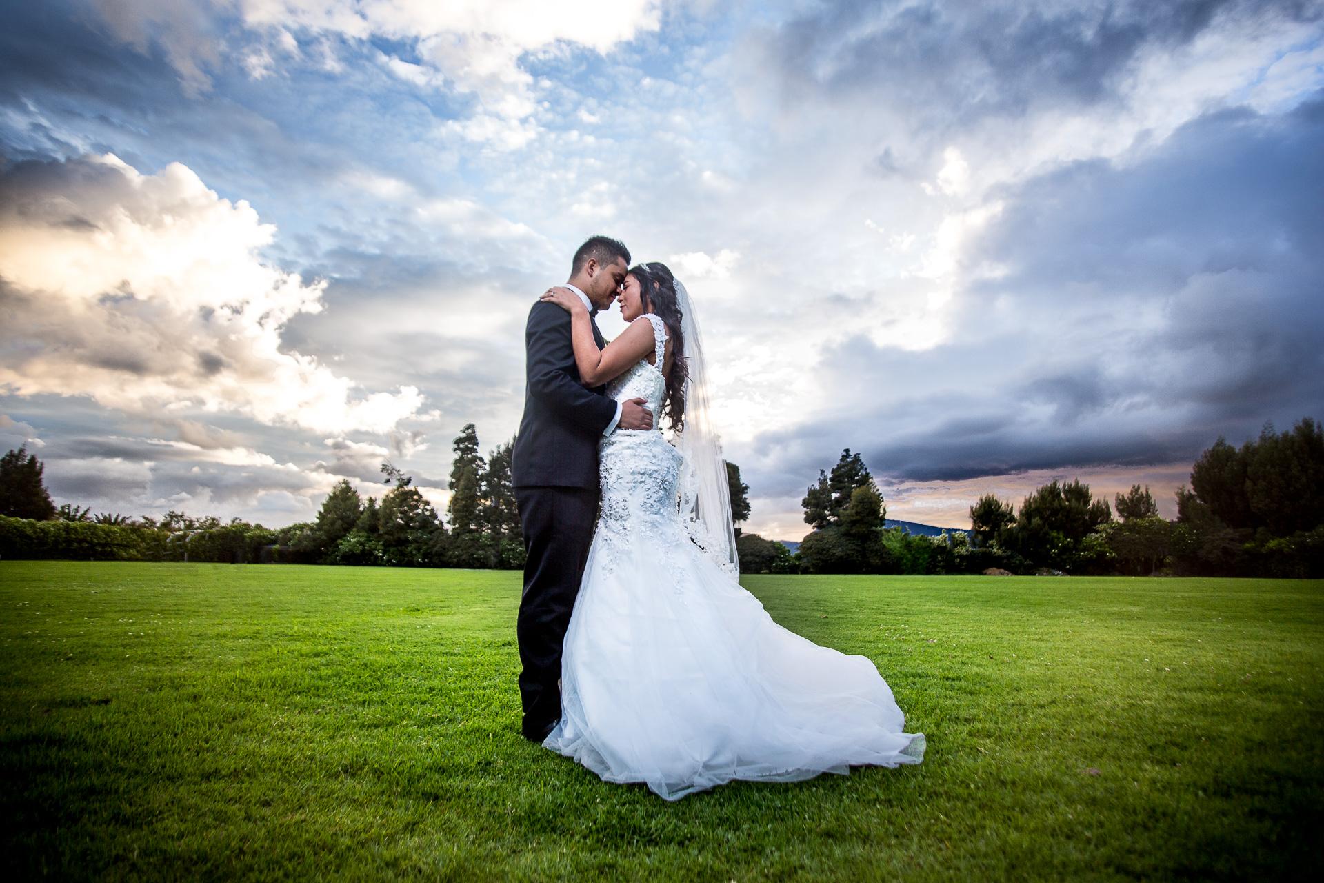 Fotógrafos-de-bodas-en-Colombia-Alejandro-y-Angelica-30-2 ALEJANDRO + ANGELICA