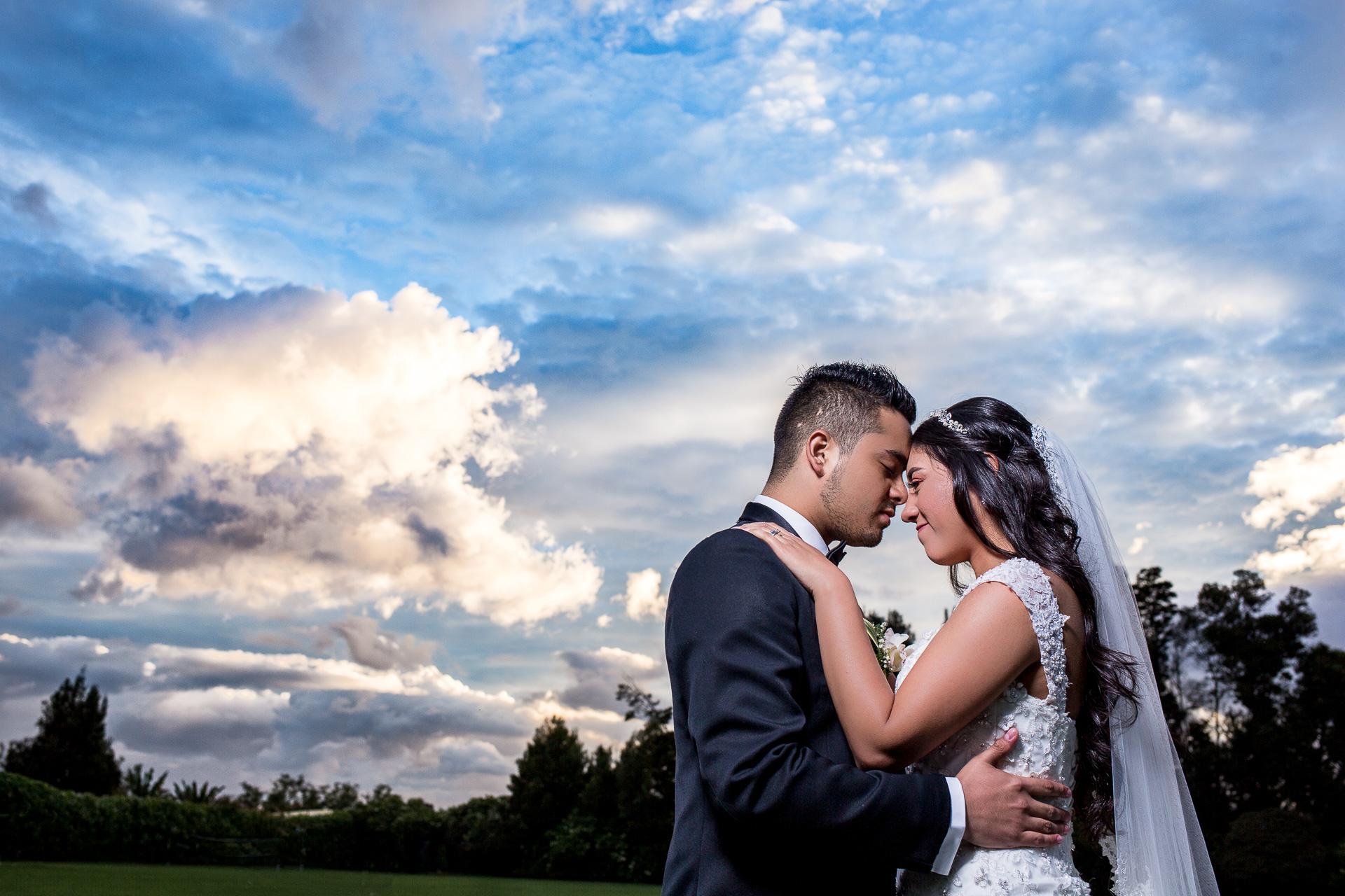 Fotógrafos-de-bodas-en-Colombia-Alejandro-y-Angelica-31 ALEJANDRO + ANGELICA