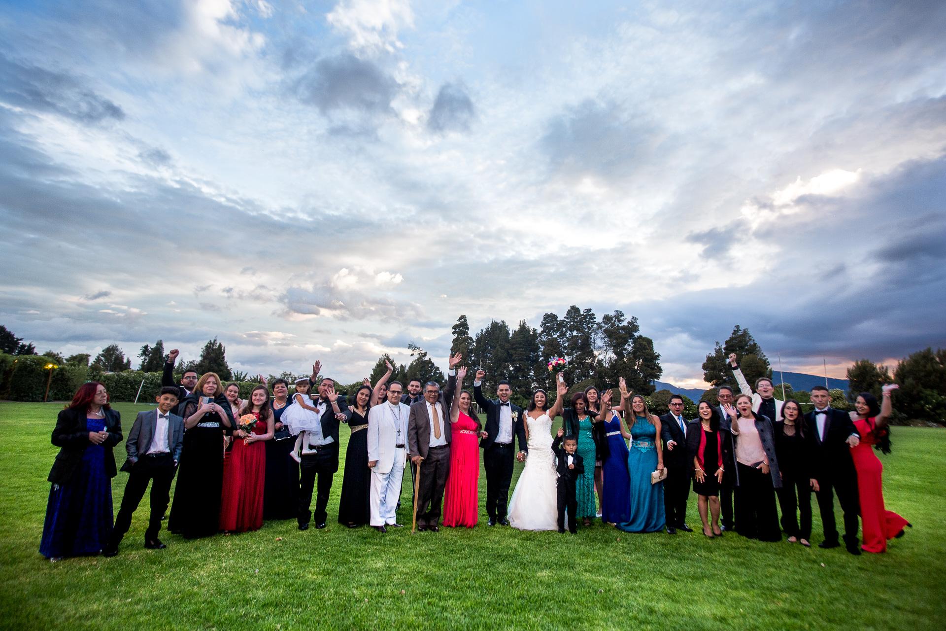 Fotógrafos-de-bodas-en-Colombia-Alejandro-y-Angelica-32 ALEJANDRO + ANGELICA