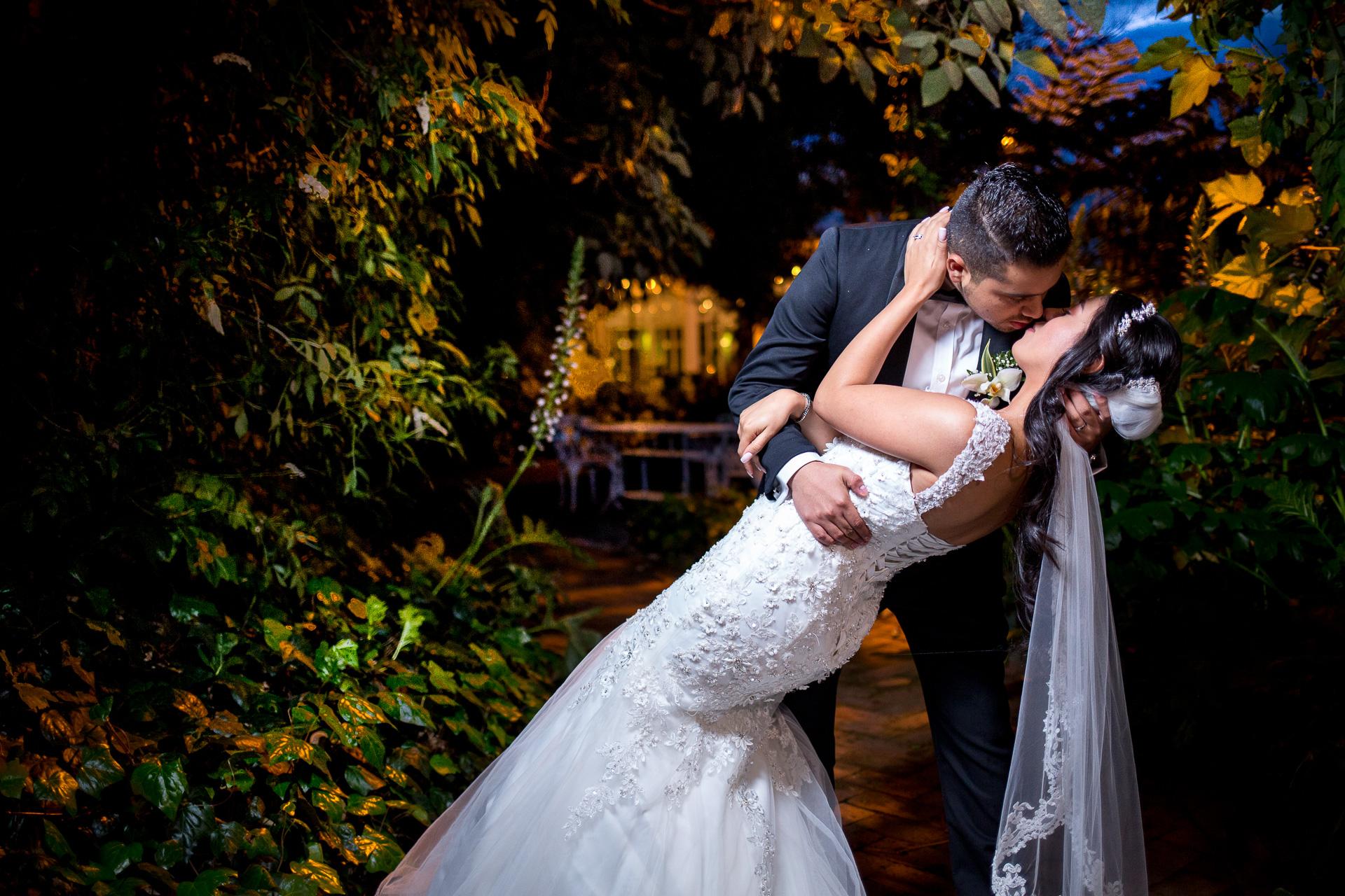 Fotógrafos-de-bodas-en-Colombia-Alejandro-y-Angelica-37 ALEJANDRO + ANGELICA