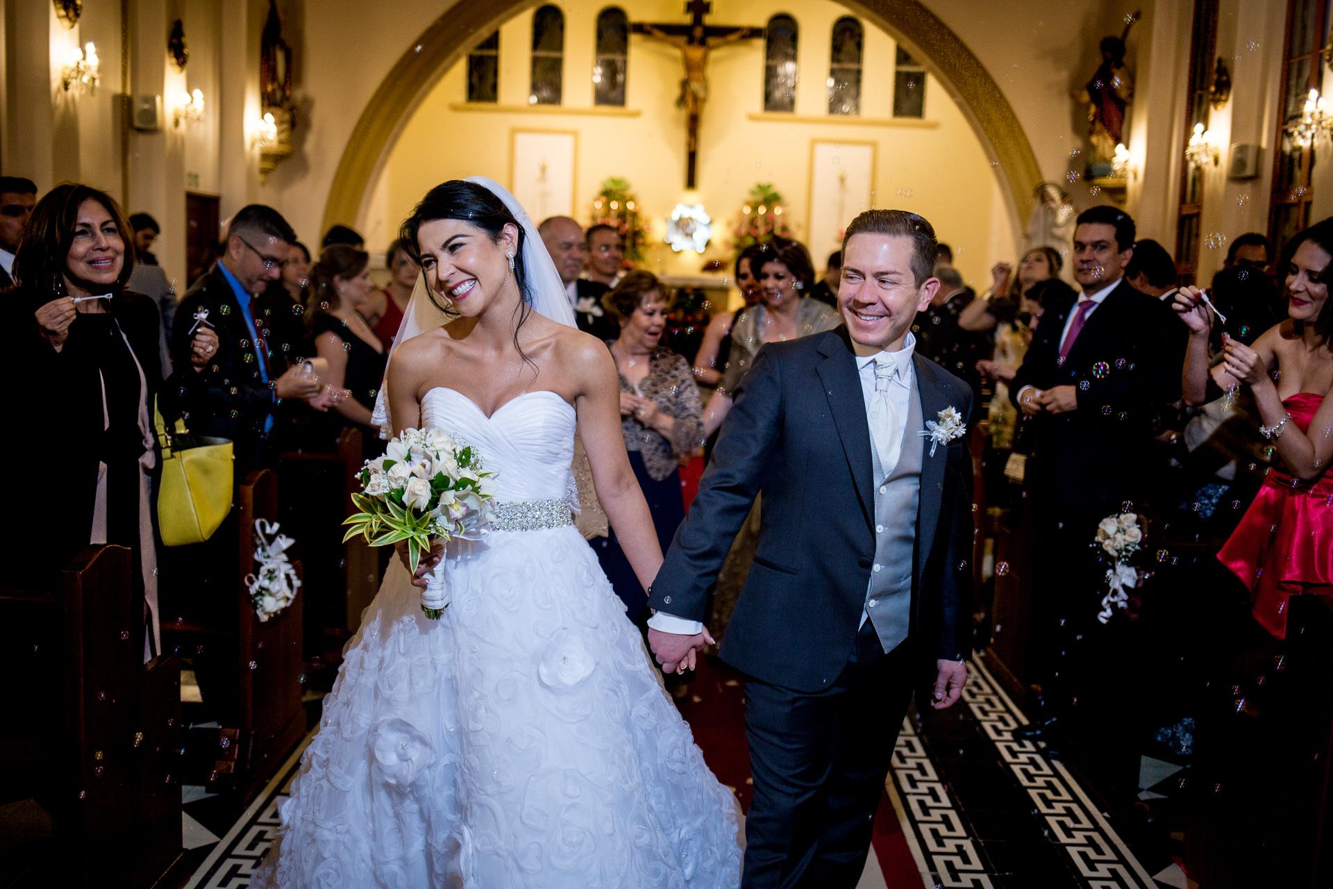 Fotógrafos-de-bodas-en-Colombia-Andrea-y-Antonio-35 ANDREA + ANTONIO