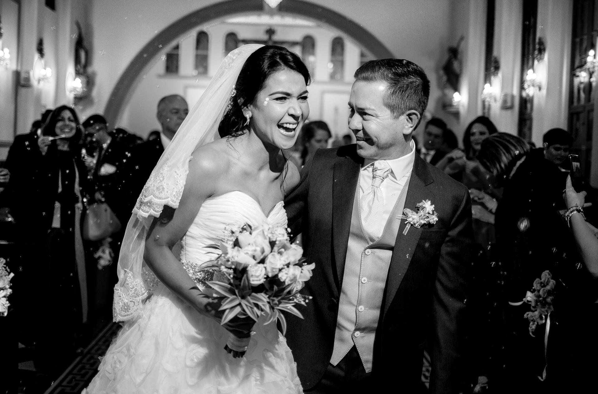 Fotógrafos-de-bodas-en-Colombia-Andrea-y-Antonio-36 ANDREA + ANTONIO
