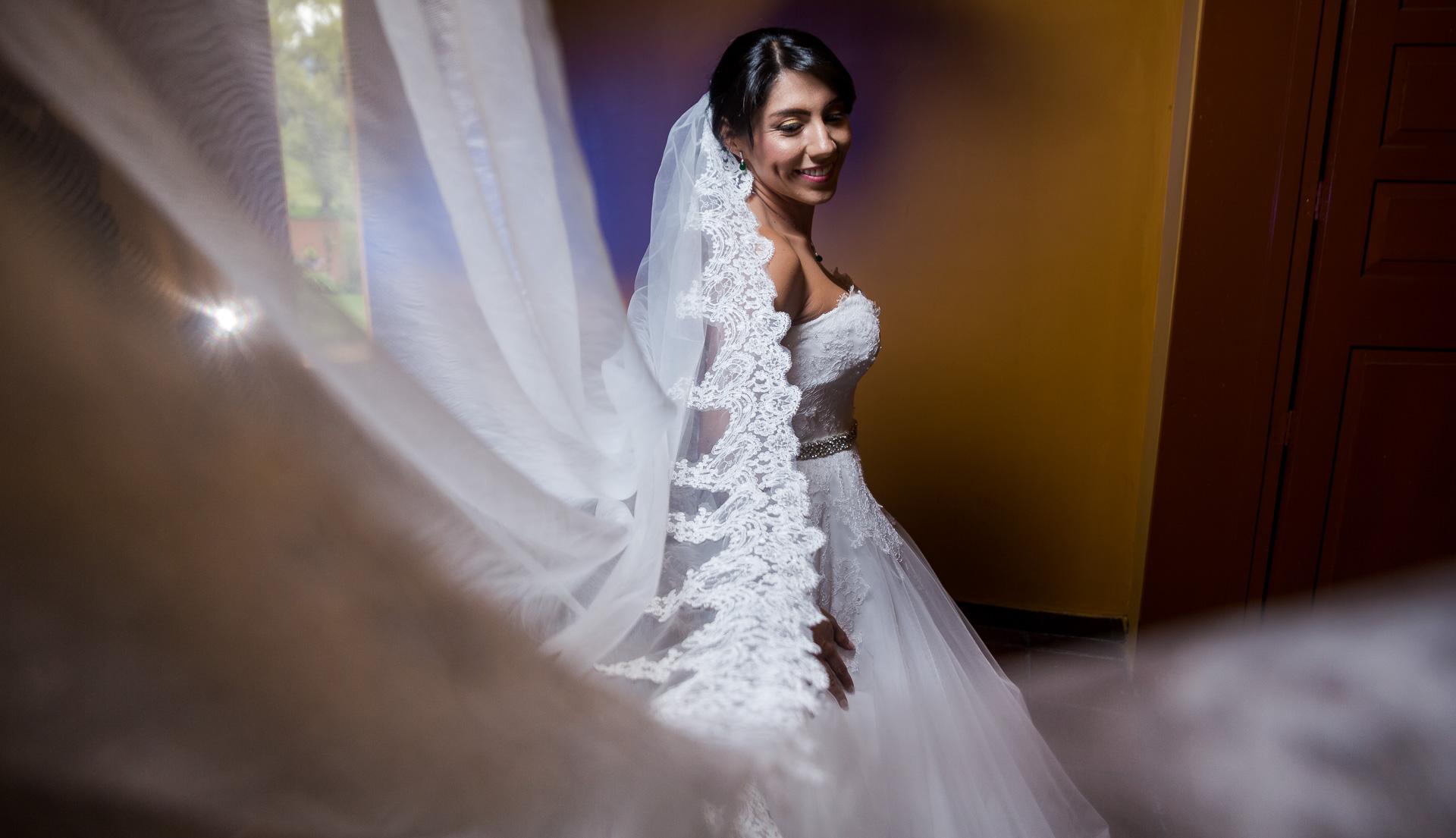 Fotógrafos-de-bodas-en-Colombia-Angela-y-Antonio-25 ANGELA Y ANTONIO