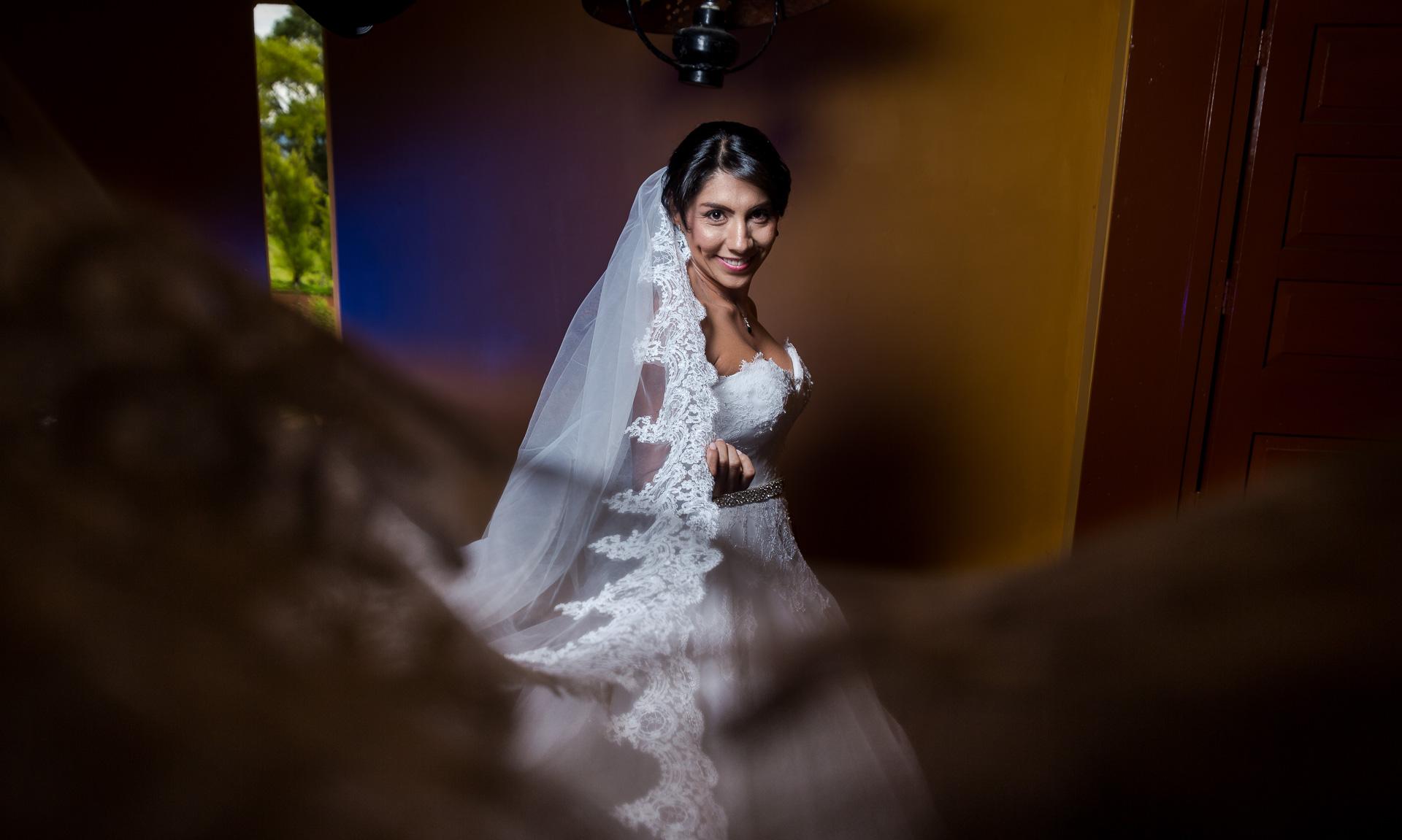 Fotógrafos-de-bodas-en-Colombia-Angela-y-Antonio-26 ANGELA Y ANTONIO