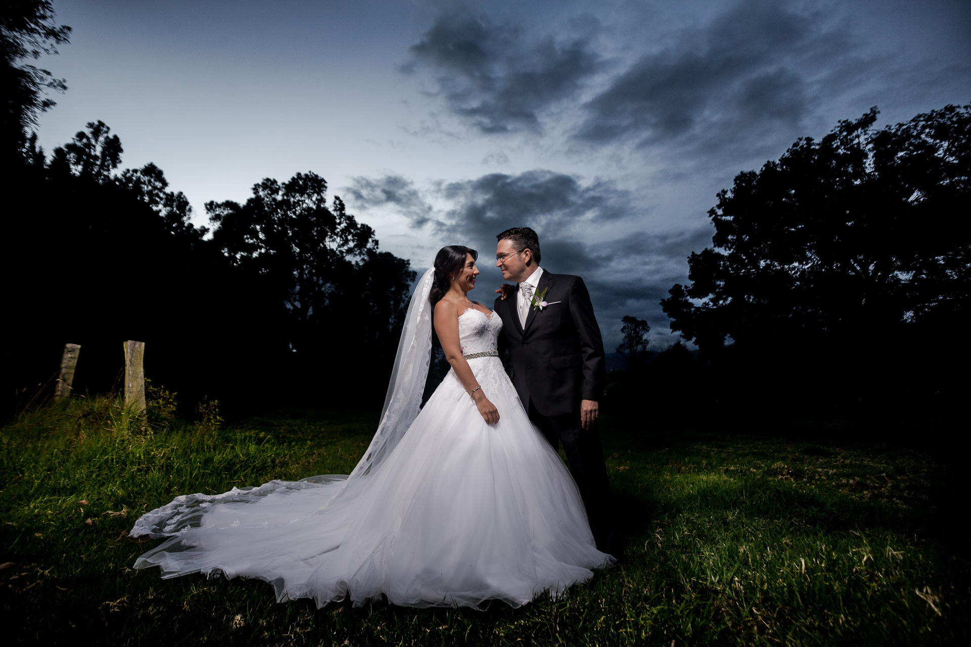 Fotógrafos-de-bodas-en-Colombia-Angela-y-Antonio-50 ANGELA Y ANTONIO