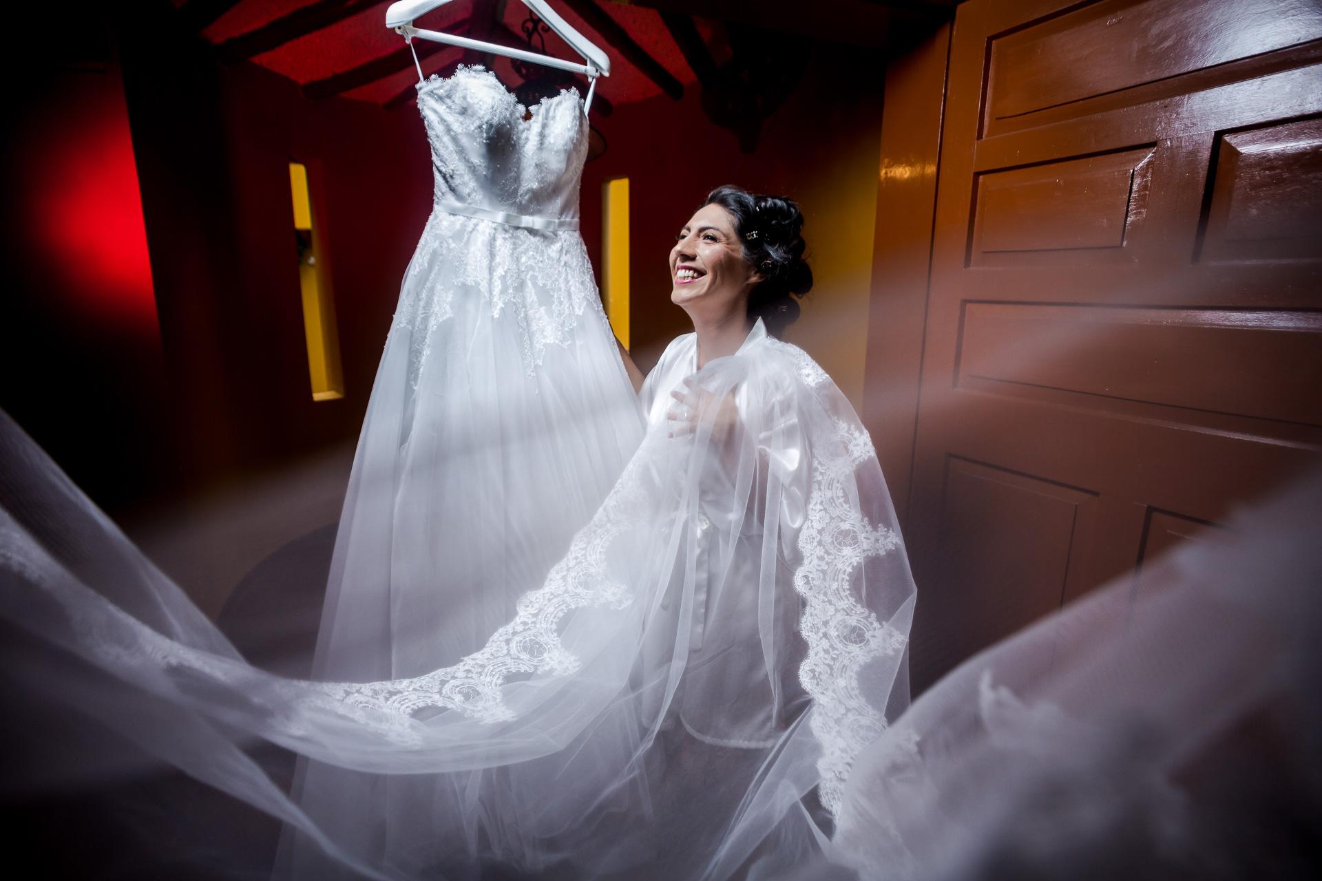 Fotógrafos-de-bodas-en-Colombia-Angela-y-Antonio-9 ANGELA Y ANTONIO