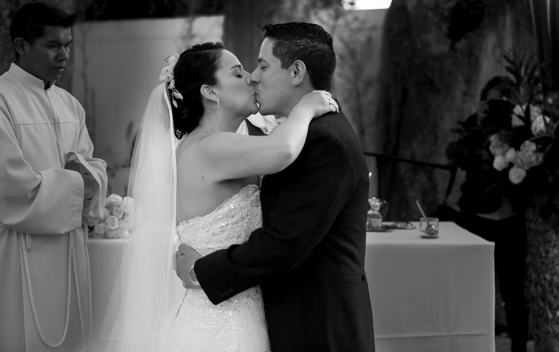 Fotógrafos-de-bodas-en-Colombia-Angela-y-Camilo-16 ANGELA + CAMILO