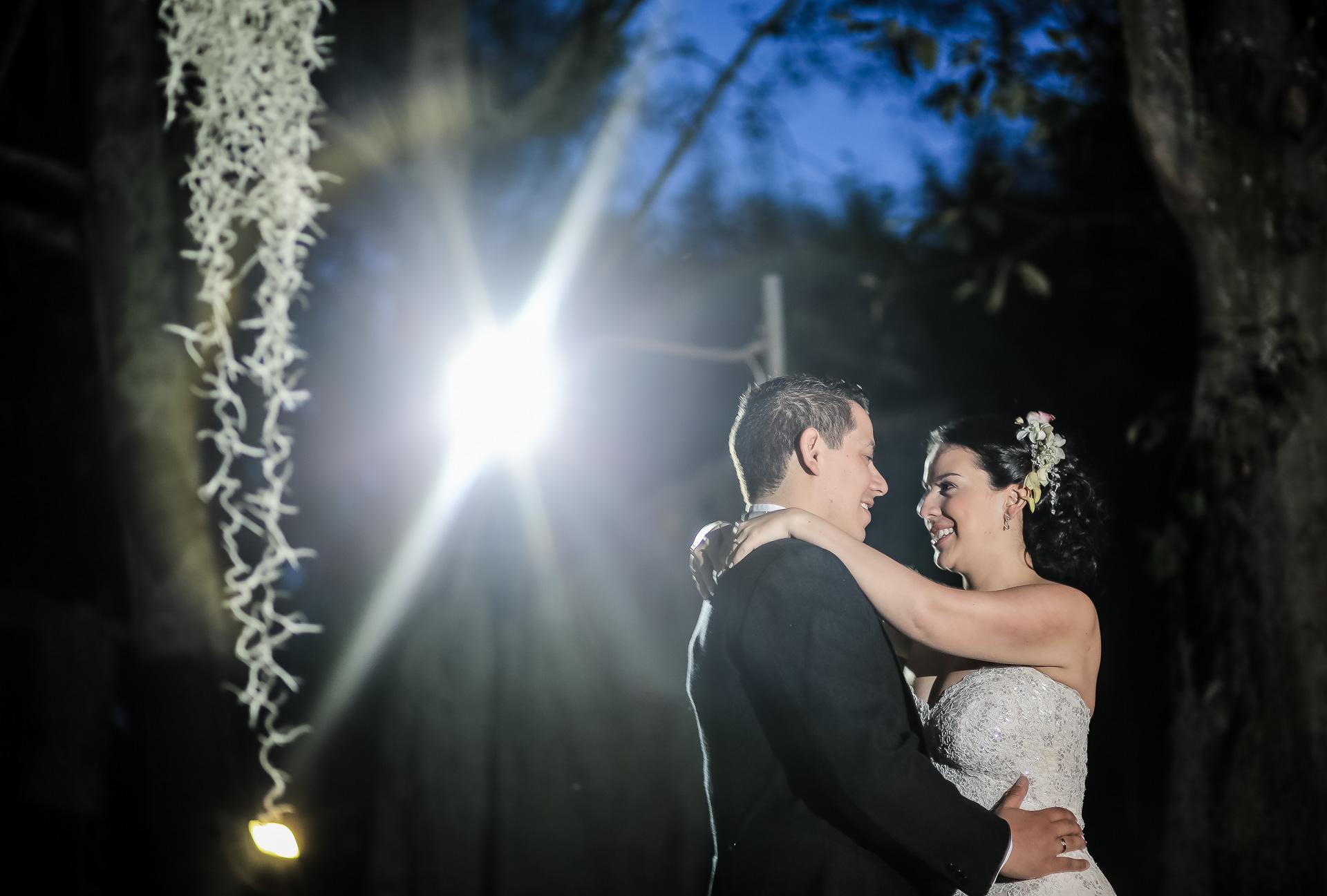 Fotógrafos-de-bodas-en-Colombia-Angela-y-Camilo-22 ANGELA + CAMILO