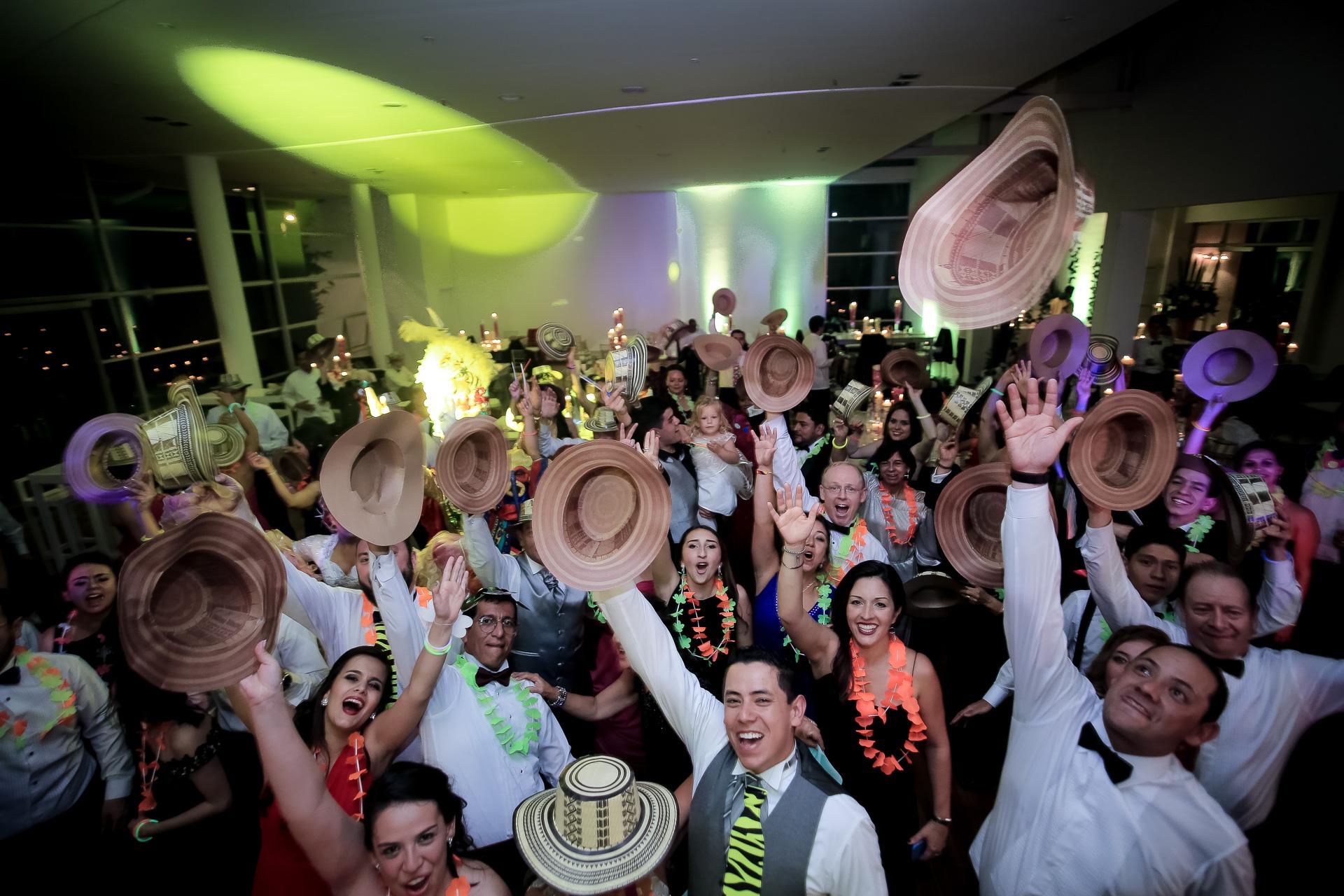 Fotógrafos-de-bodas-en-Colombia-Angela-y-Camilo-26 ANGELA + CAMILO