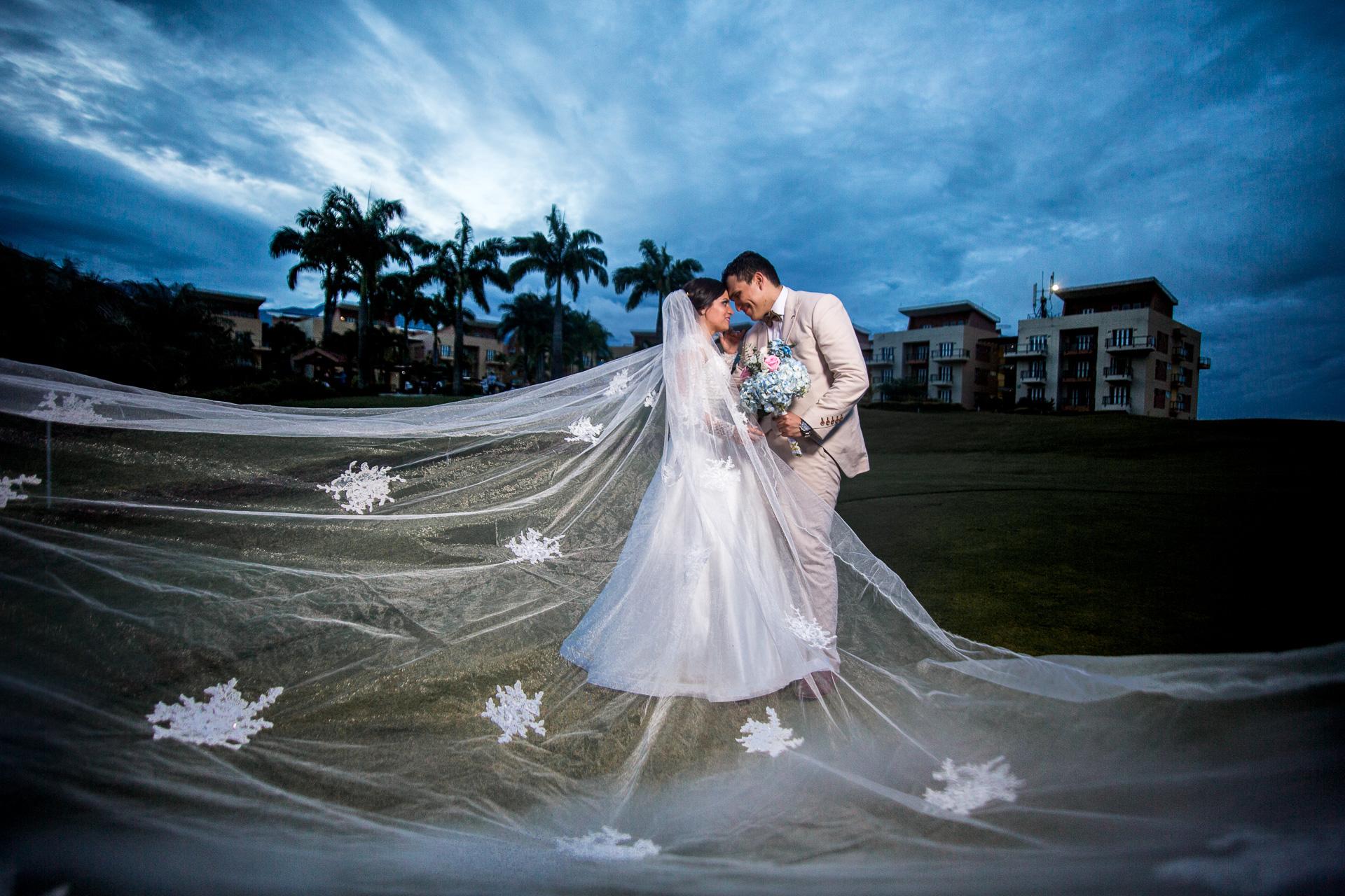 Fotógrafos-de-bodas-en-Colombia-Sthephanie-y-David-39 STEPHANIE + DAVID